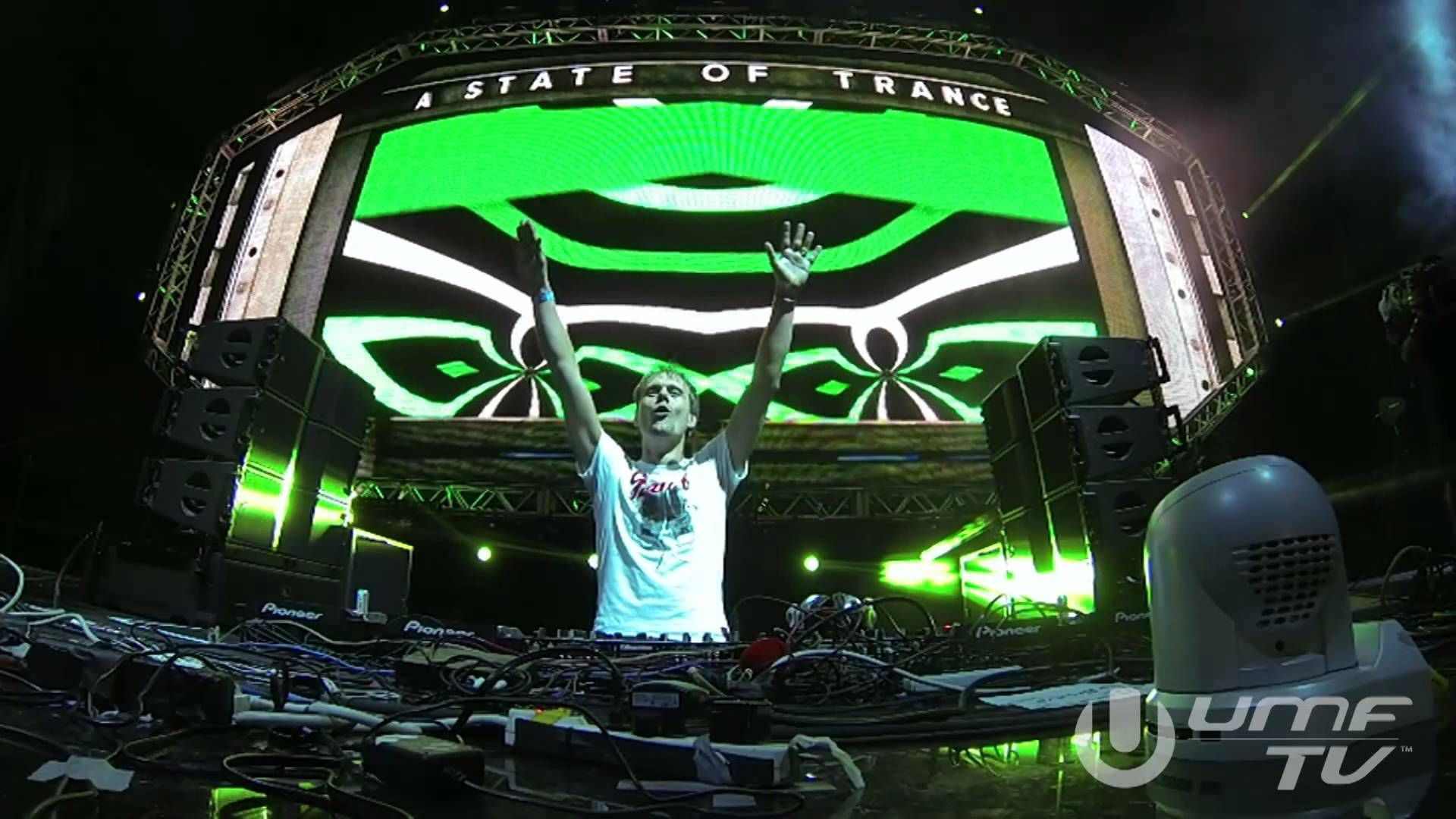 Armin Van Buuren Live At A State Of Trance 600 Miami Full Hd