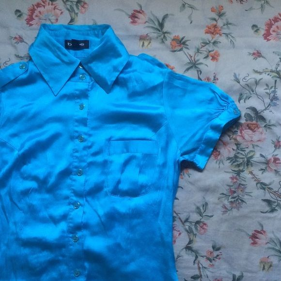 Bebe Aqua Blue Button Up Blouse Small BEBE Aqua Blue Blouse, Button up and Button Cuffs, Small, Metallic, very fun for spring or summer wear, made in China bebe Tops Button Down Shirts
