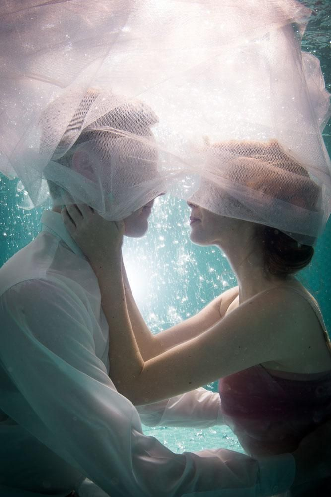 love | under water engagement portraits | via: rock n roll bride