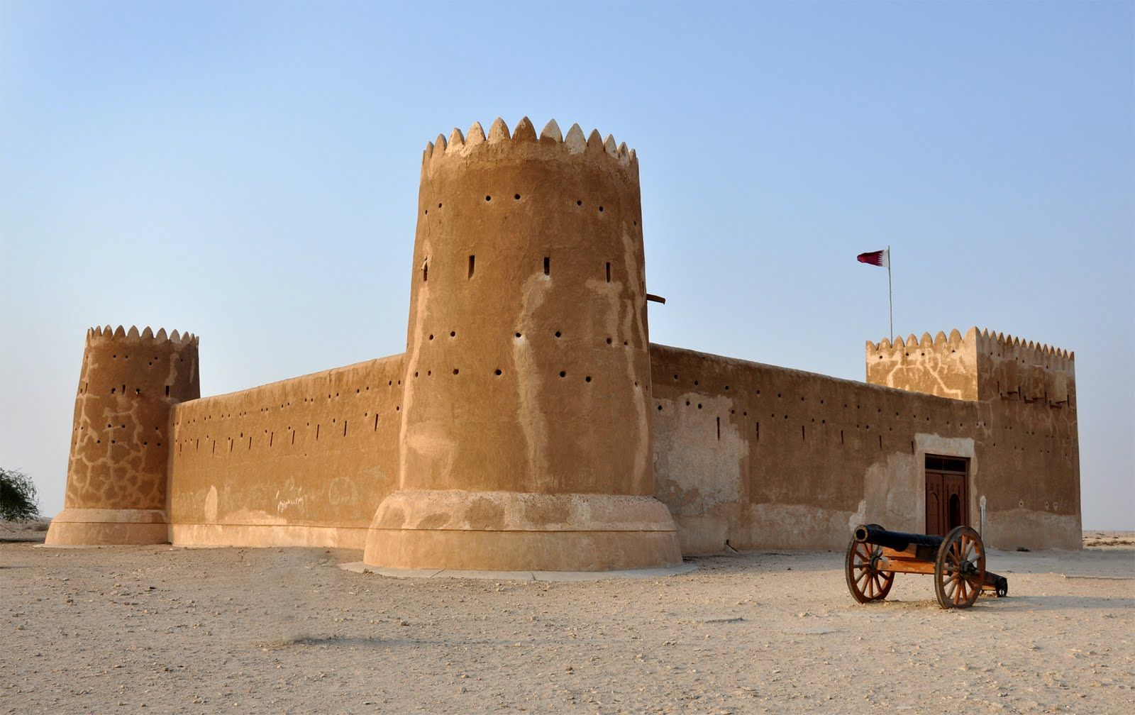 Zubara Fort Qatar The Zubarah Fort Is Situated In The Antique Yet Chronological Town Of Zubarah Which In Turn Is Located On The Nort Qatar Travel Doha Qatar