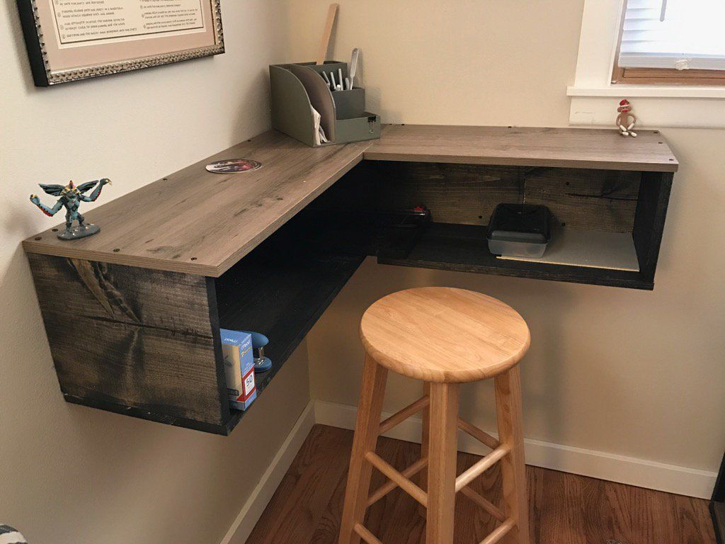 Desk Ideas Perfect For Small Spaces Floating Corner Desk Small Corner Desk Diy Corner Desk