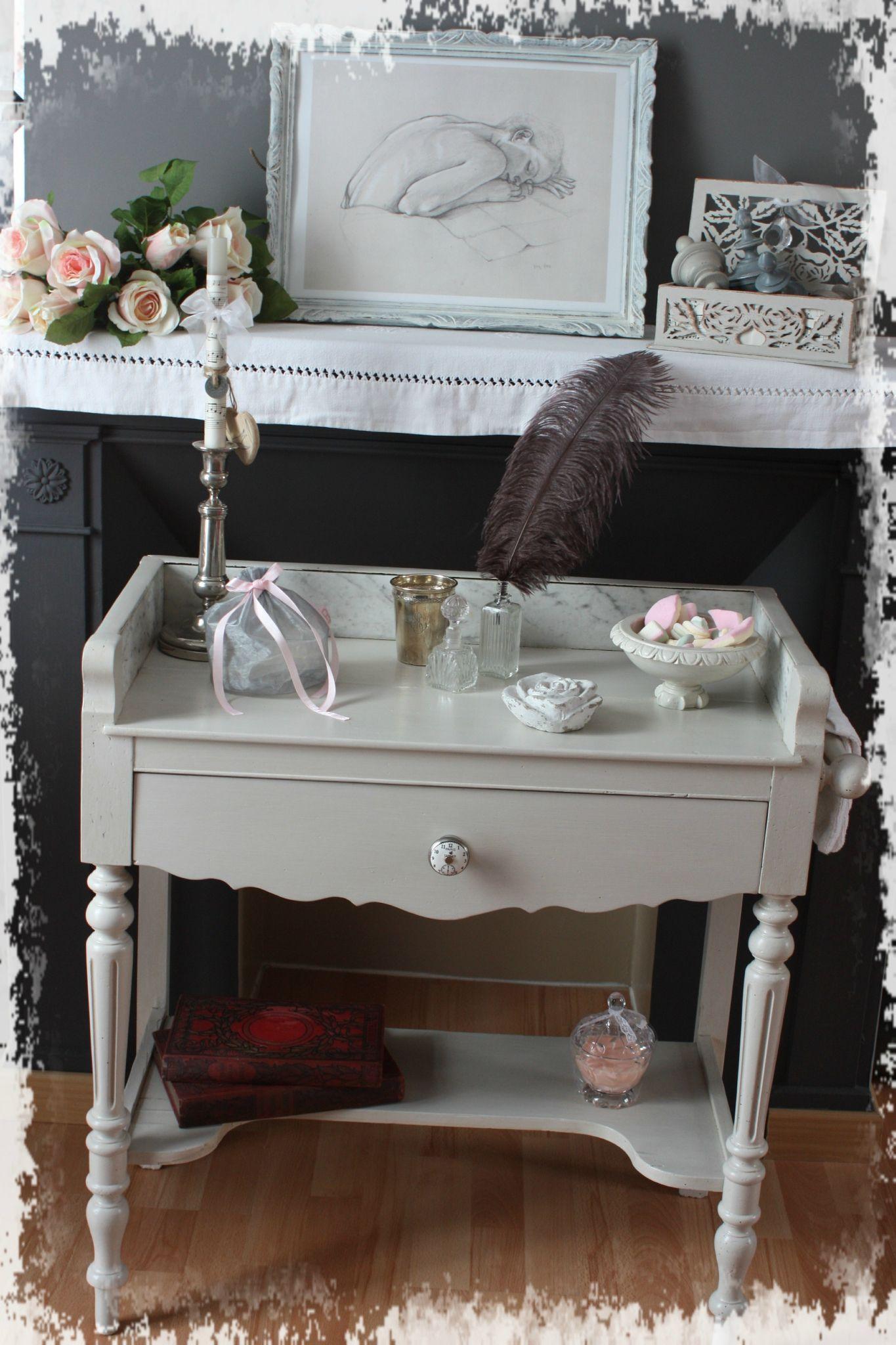 customiser une vieille table en bois. Black Bedroom Furniture Sets. Home Design Ideas
