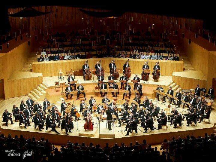 Nunca separarme de la música y, de ser posible, mantenerme como miembro de alguna orquesta.