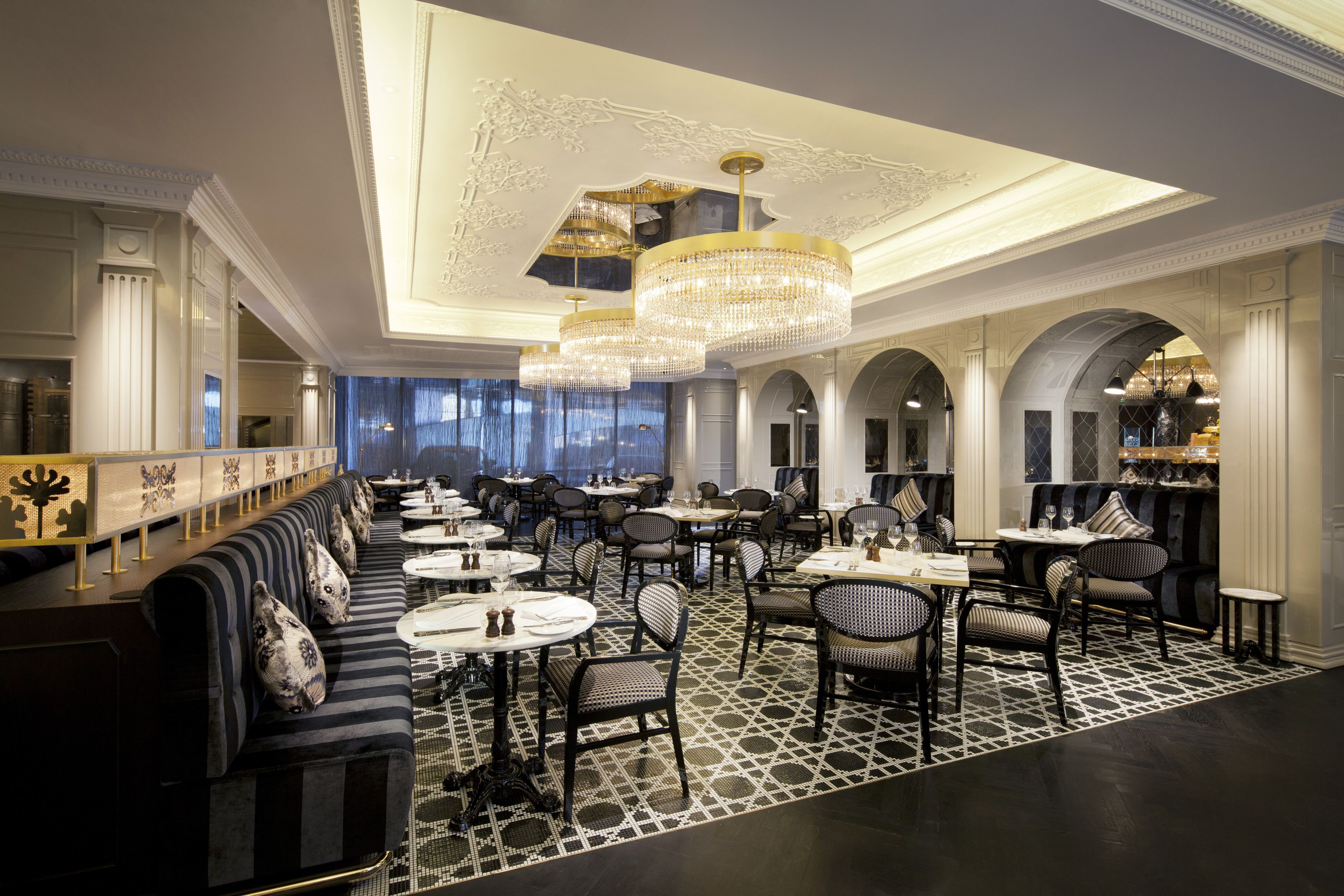Jumeirah at Etihad Towers Hotel - Abu Dhabi Restaurants - Brasserie  Angelique - French(画像あり)