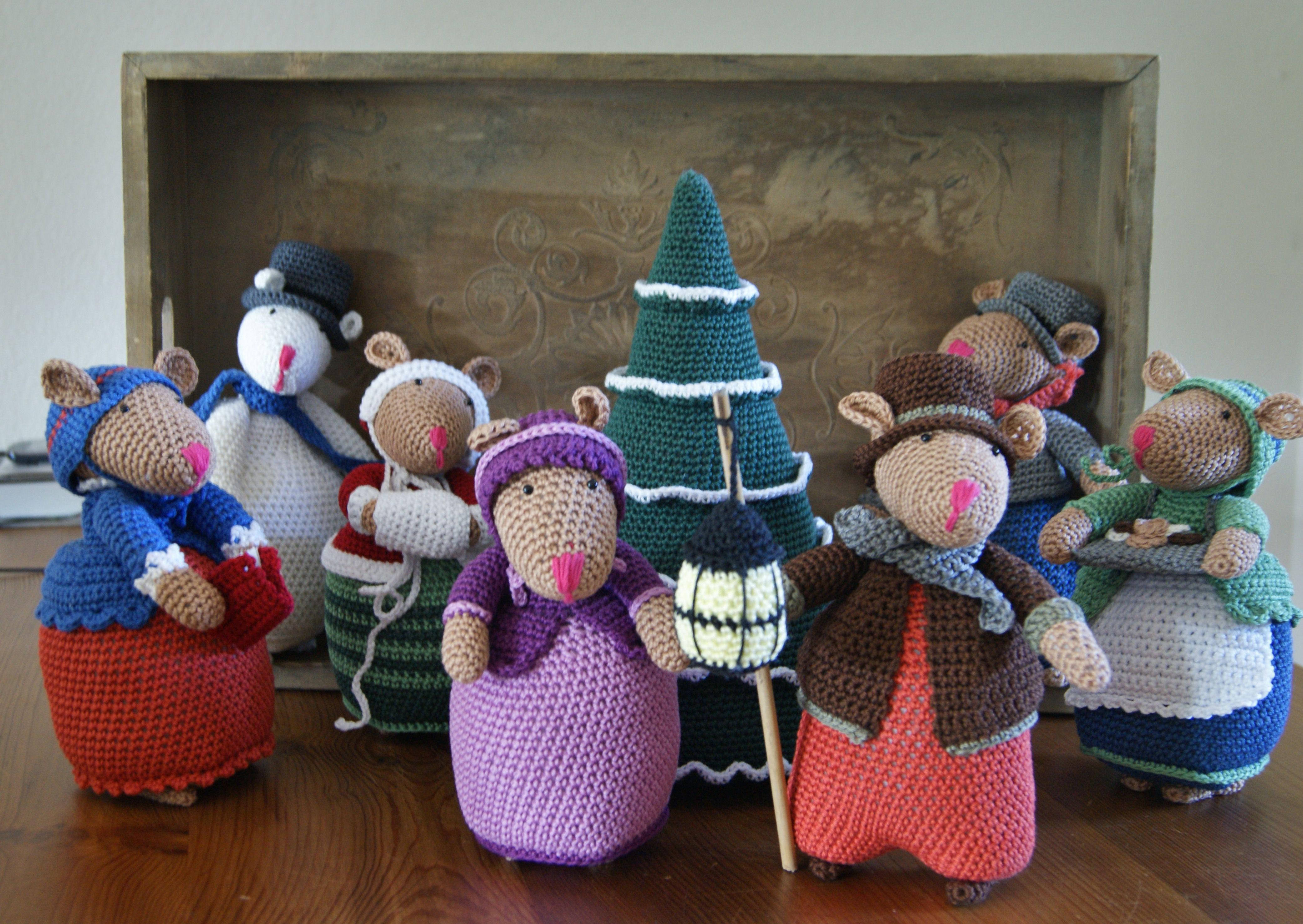The Dickens Muizen Juni 2015 Crochet Christmas Trees Pinterest