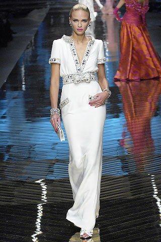 Valentino Spring 2008 Couture Fashion Show - Anna Tokarska