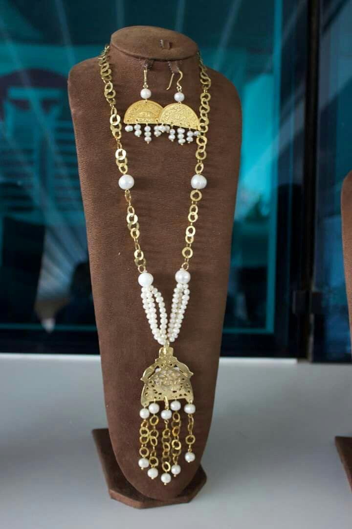 Tour De Lit Bébé, Bijoux Artisanaux, Lit Bebe, Colliers De Perles, Tunisien,  Patron Couture, Artisanales, Traditionnel, Lits
