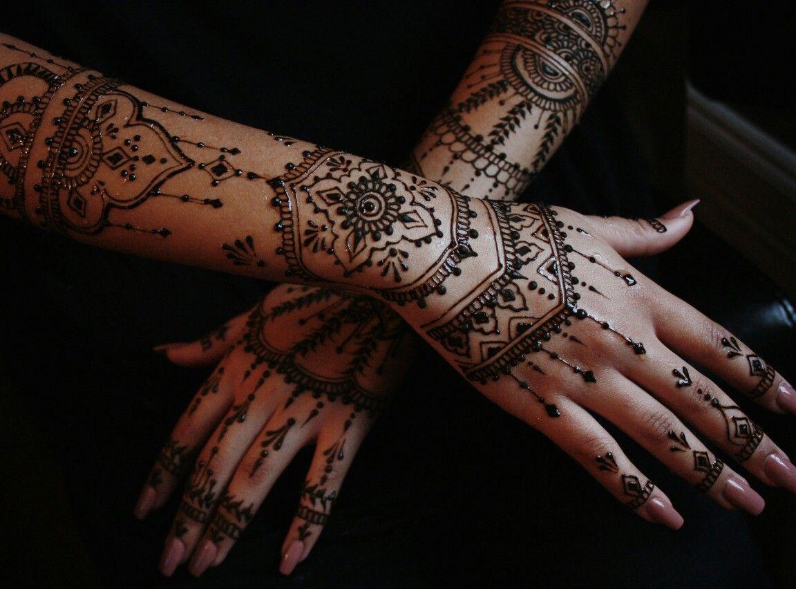 pingl par nesmed sur henna tattoo pinterest henn. Black Bedroom Furniture Sets. Home Design Ideas