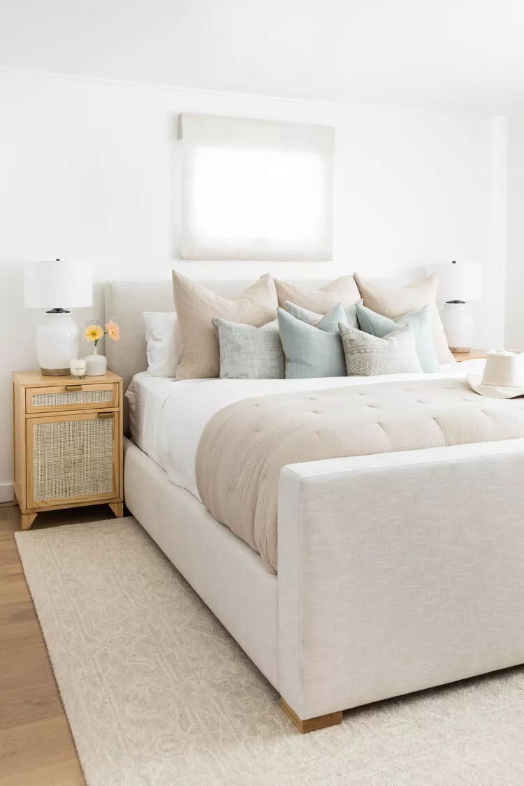 23 Beautiful Bedrooms That Make The Case For Neutral Style In 2021 Bedroom Interior Home