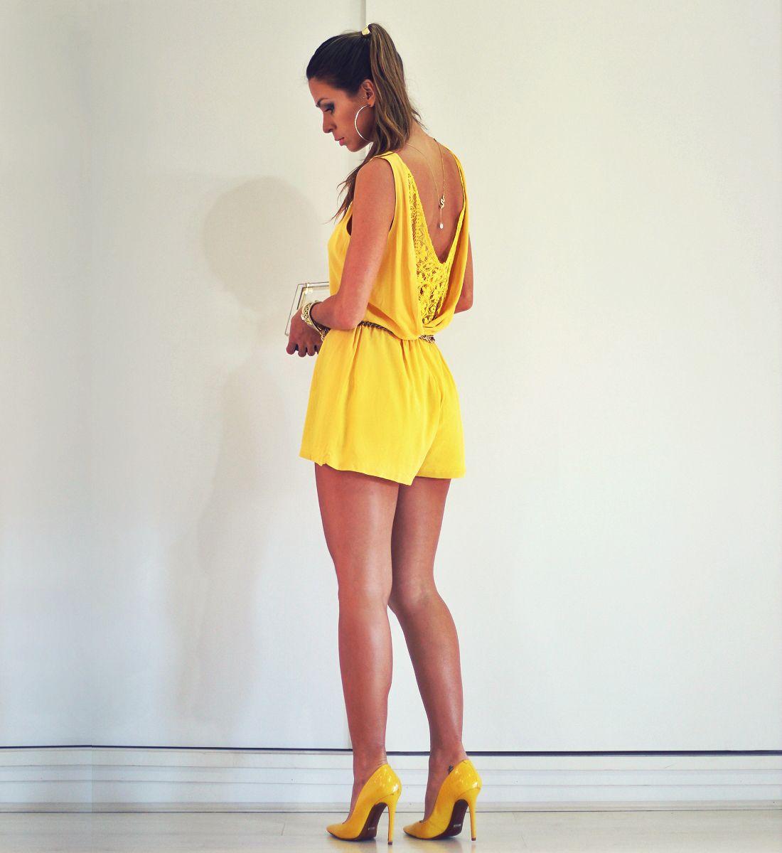 11ed583d1 Macacão feminino curto amarelo com renda Saias Amarelas