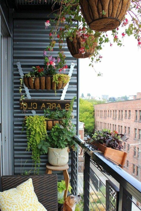 15 amazing balcony decor ideas for christmas balconies for Plants decoration in balcony