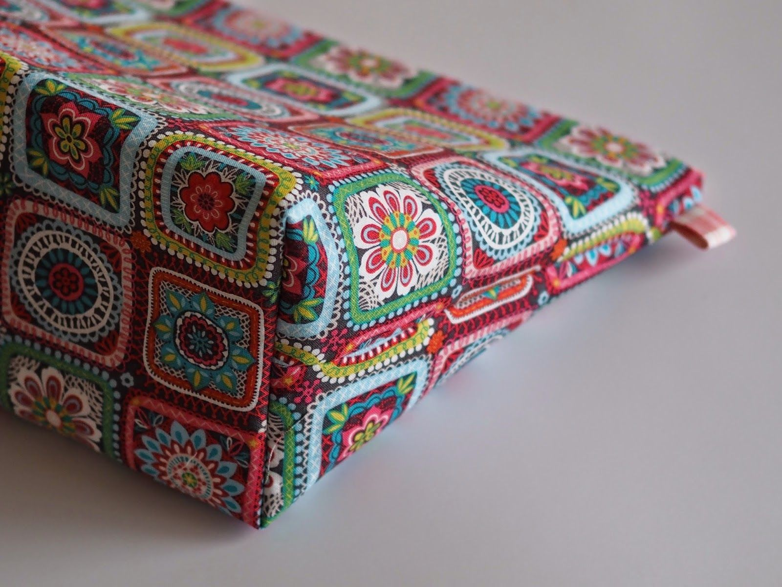Project Bag sewing tutorial by betsymakes | Knitting bag ...