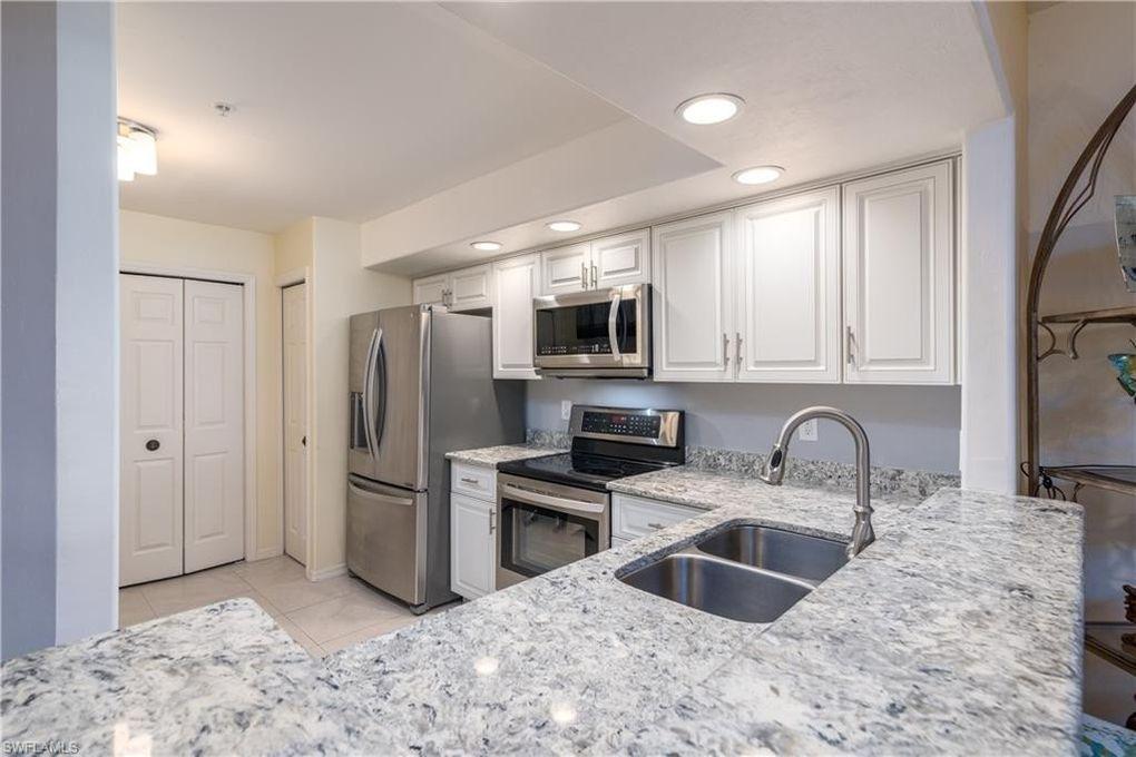 13030 Amberley Ct Apt 402 Bonita Springs Fl 34135 In 2020 Bonita Springs Kitchen Cabinets Decor