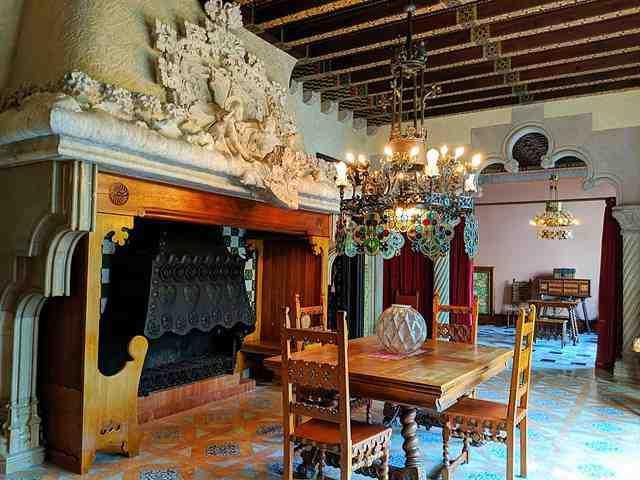 カサ・アマトリェール バルセロナ豪華建築通りの美しい邸宅見学ツアー ...