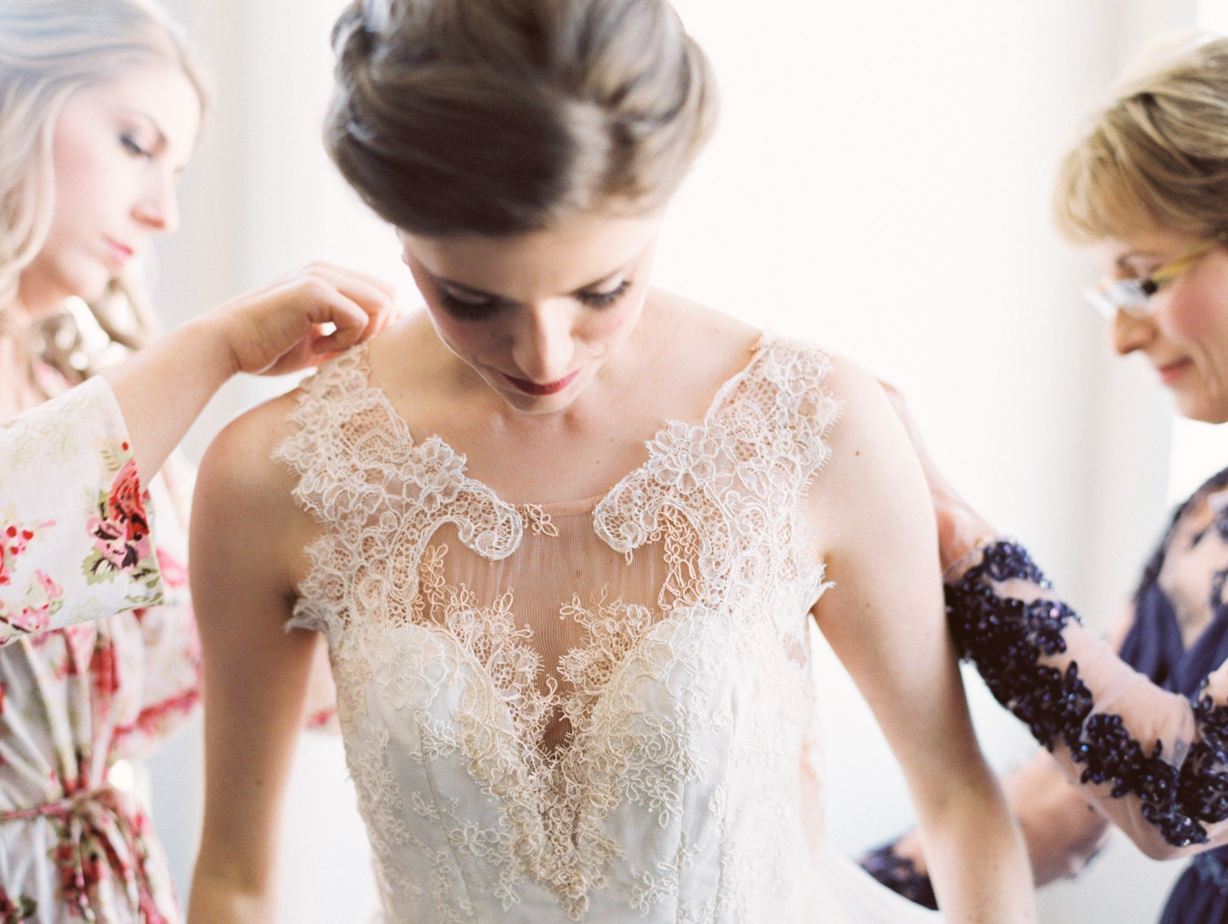 How to Choose Your Dream Wedding Dress: 6 Things to Know