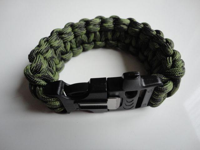 5 meter paracord armband met survival combi sluiting (vuurstaaf + schrapper en fluitje)