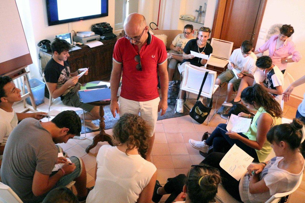 OFFIDA – La Fondazione Lavoroperlapersona promuove iniziative di educazione attraverso programmi formativi che aiutino a preparare cittadini sensibili, aperti e accoglienti, utilizzando metod…