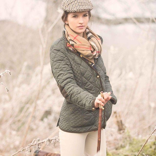f90f460799b60 Look de mujer con gorra plana o también conocidas como gorras camperas Moda  Campestre