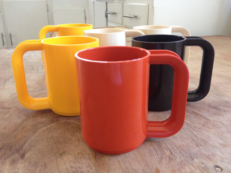70's Sterilite Plastic Stacking Mugs Set of 6 Mugs set