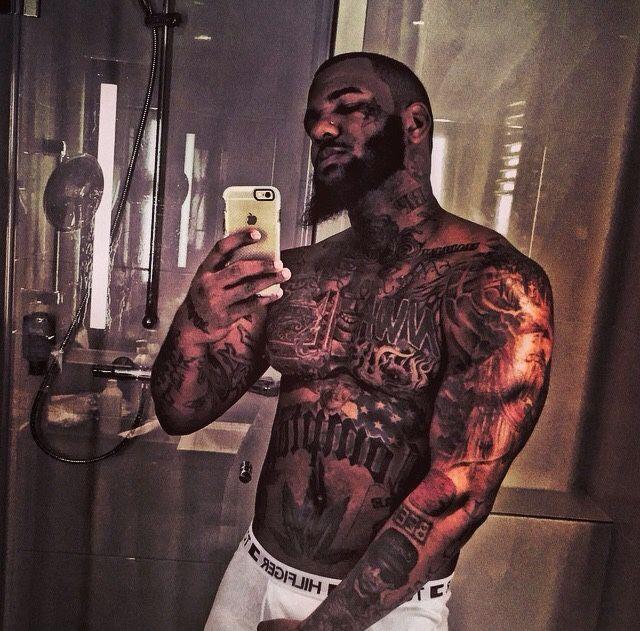 Naked rapper