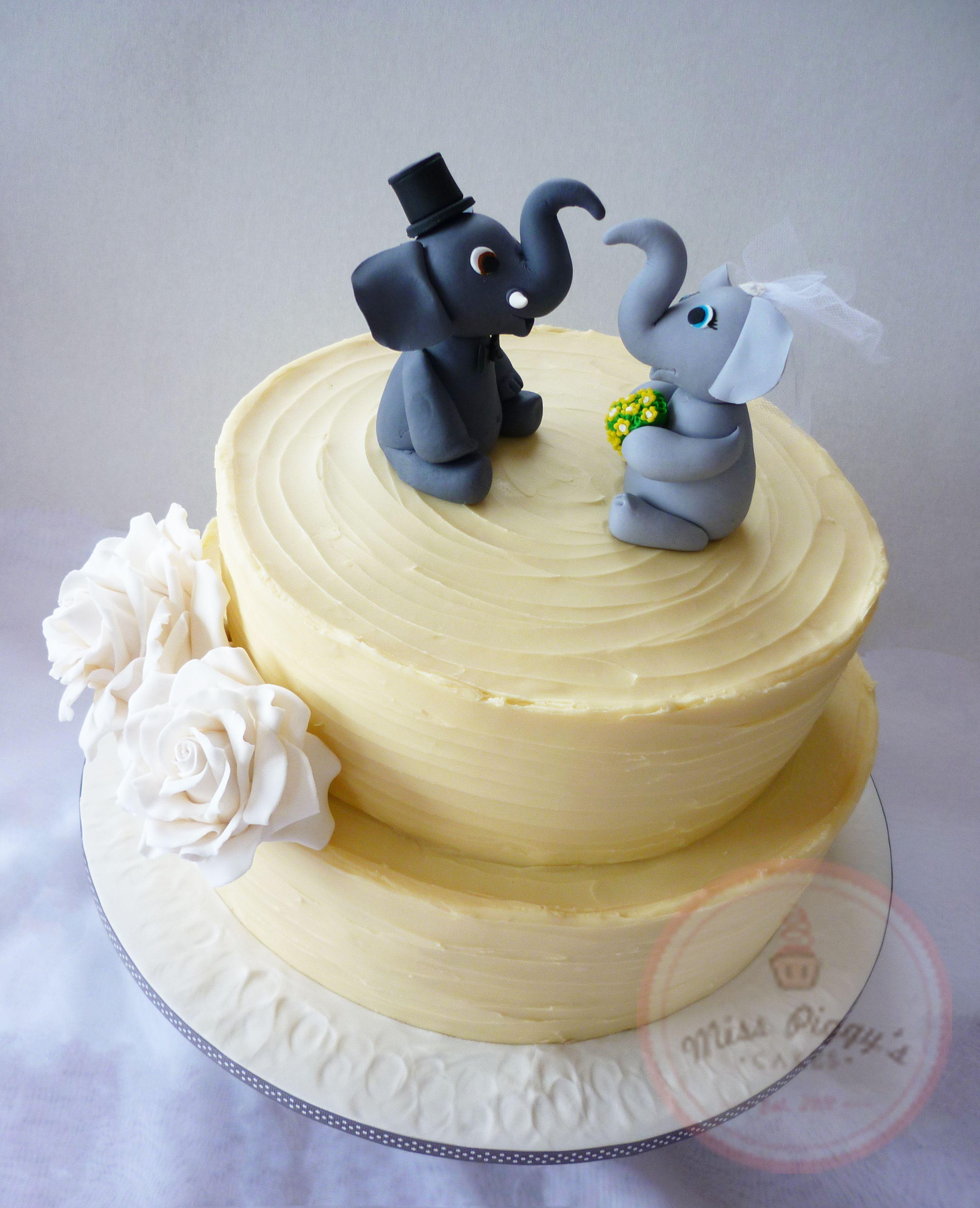 Fondant free wedding cake with hand made gumpaste elephant