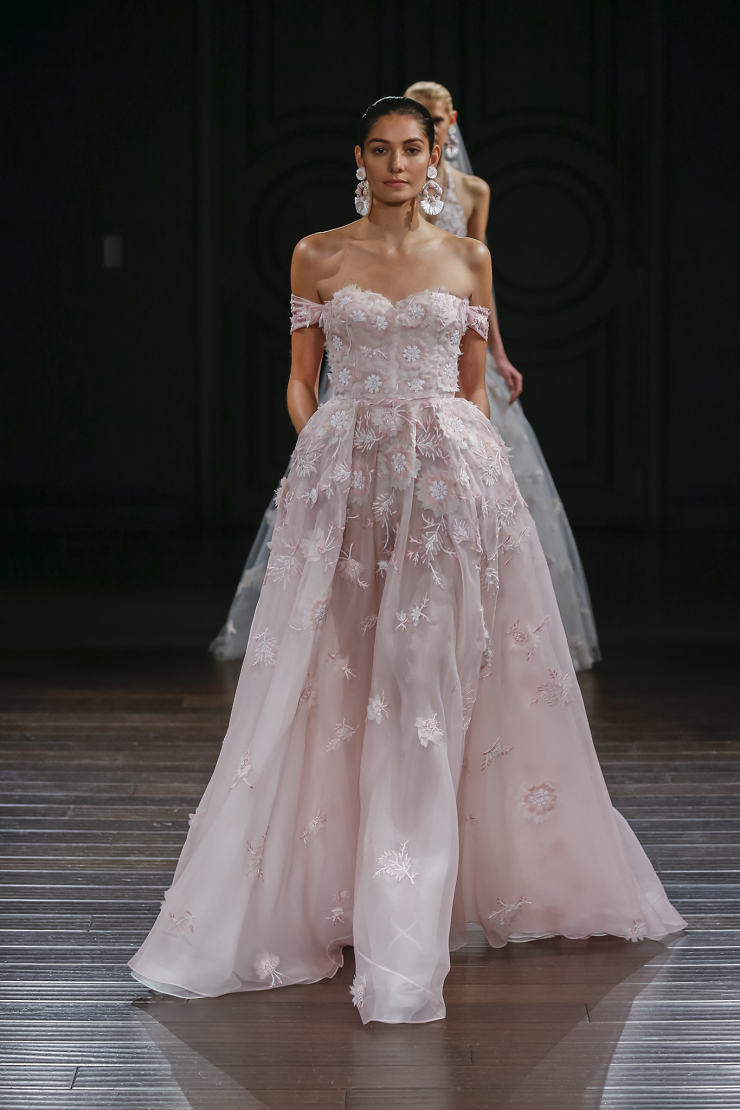 Naeem Khan Wedding Dresses Spring 2017 | Silk organza off the shoulder ball gown | itakeyou.co.uk #wedding #weddingdress #weddingdresses #weddinggown #bridalgown