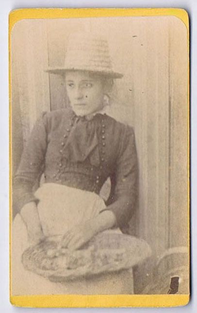 CDV Photograph Victorian Girl With Straw Hat Basket Carte De Visite