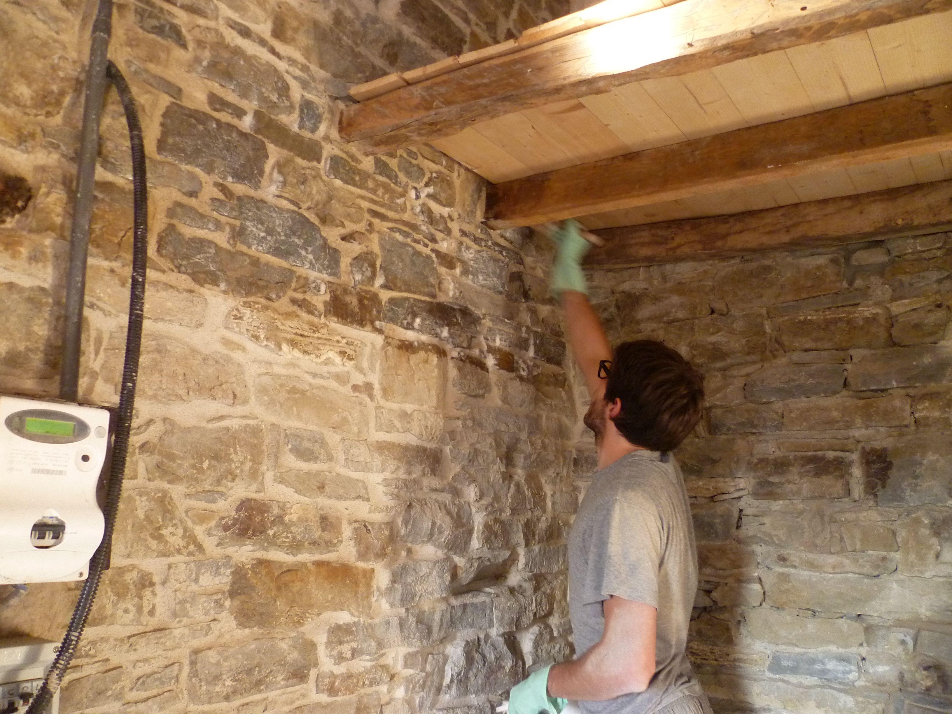 Interni di case in pietra cerca con google casa for Case rustiche interni pareti