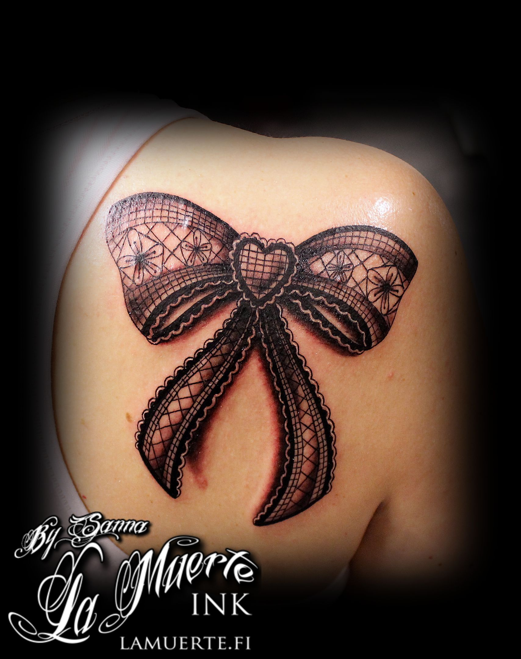 lace bow tattoo thigh - photo #16
