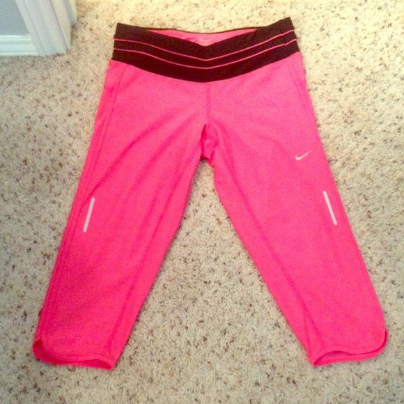 NWOT Nike dri-fit pants New without tags Nike dri fit pants size medium. Zipper pocket in back. Nike Pants Ankle & Cropped