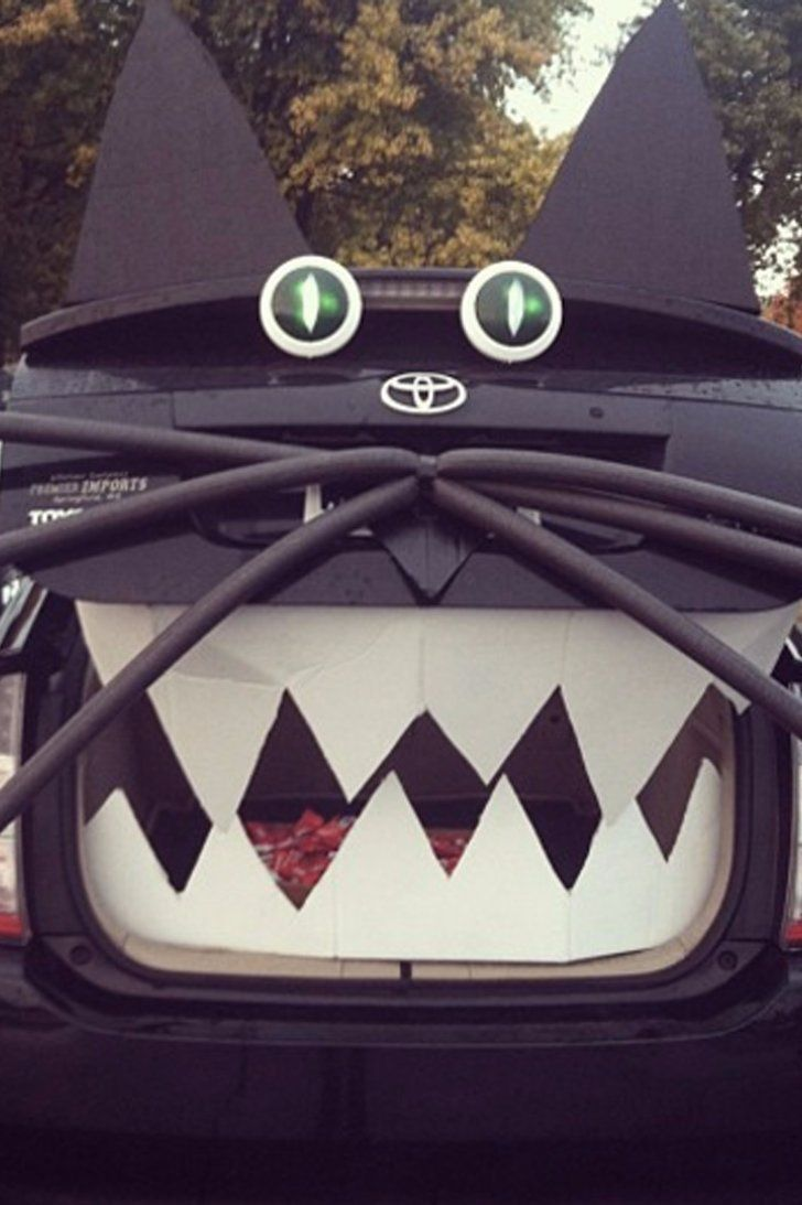 Kick This Halloween Into Full Gear With These Creative Trunk-or-Treat Ideas #trunkortreatideasforcarsforchurch