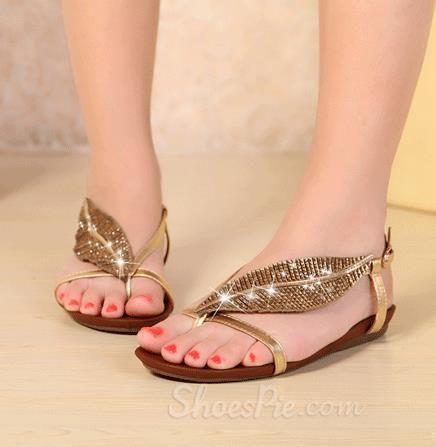 Fashionable Leaves Shape Rhinestone Decoration Flat Heel Sandals