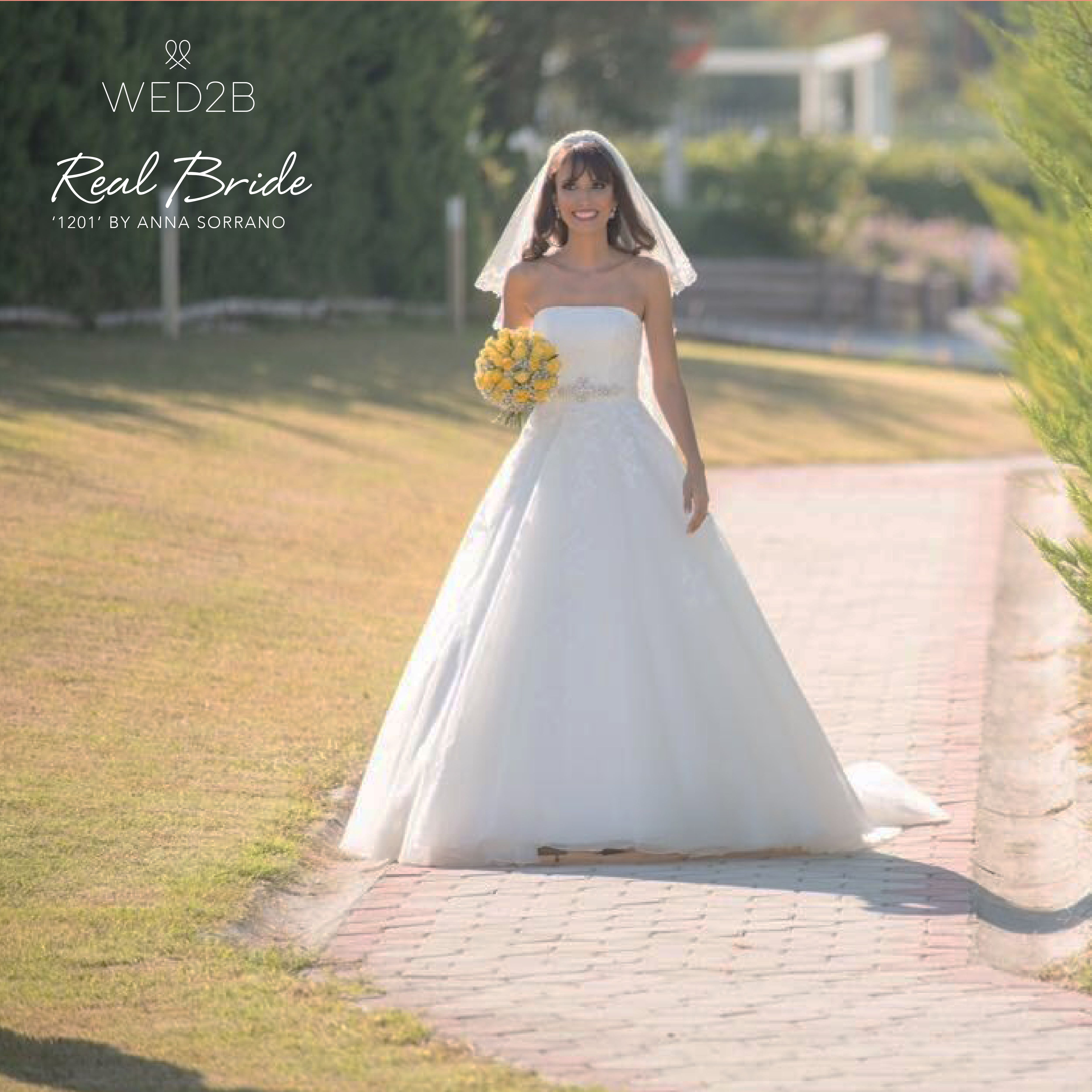 Real Brides Wed2b: A Beautiful Real Bride Luana, Looks Absolutely Stunning In