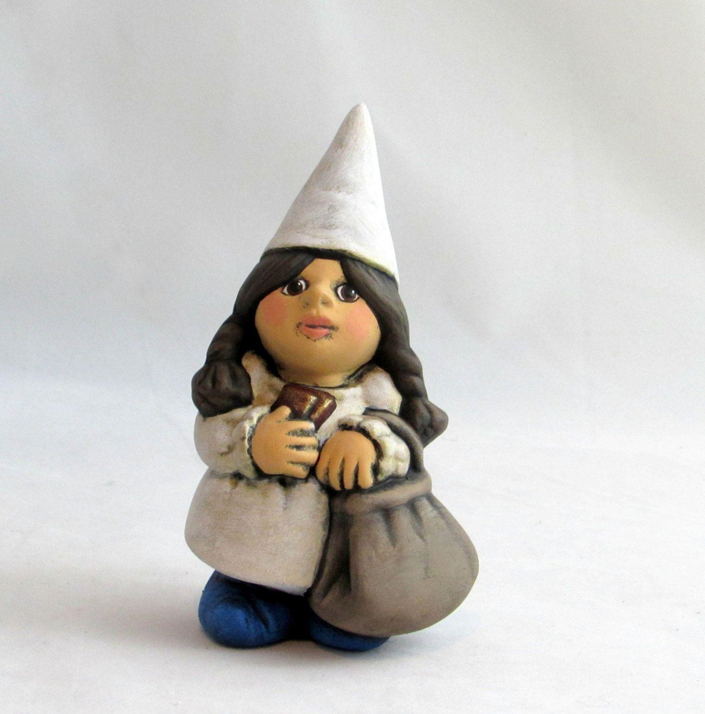 Female Gnome: Small Travelling Female Gnome
