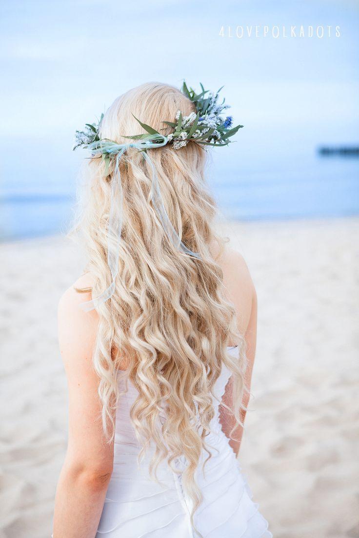 Beach wedding looks  Beach Wedding Inspiration  Romantic wedding by the sea