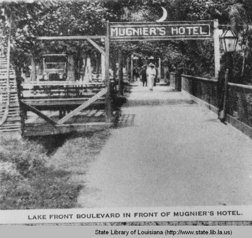 Lake Front Boulevard in front of Mugnier's Hotel in Mandeville Louisiana :: State Library of Louisiana Historic Photograph Collection