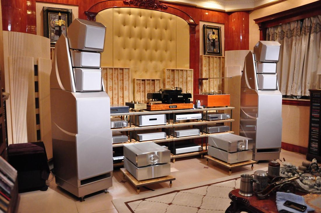 Wilson Audio speakers with Krell amps, Wadia dig. and Walker