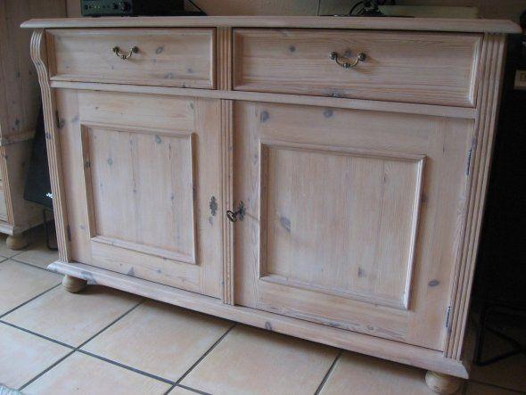 Antike möbel weiß lackieren  Tipp von bowling: gelaugte Möbel weiß wischen - Zimmerschau | Ideen ...