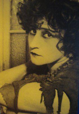 Pin By Gabbi Velasquez On Fantasy Portrait Colette Woman Authors