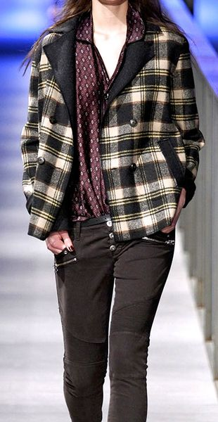 """TCN Totón Comella """"MAR D'HIVERN"""" (Winter Sea) AW2014/15 Collection at 080 Barcelona Fashion Week."""