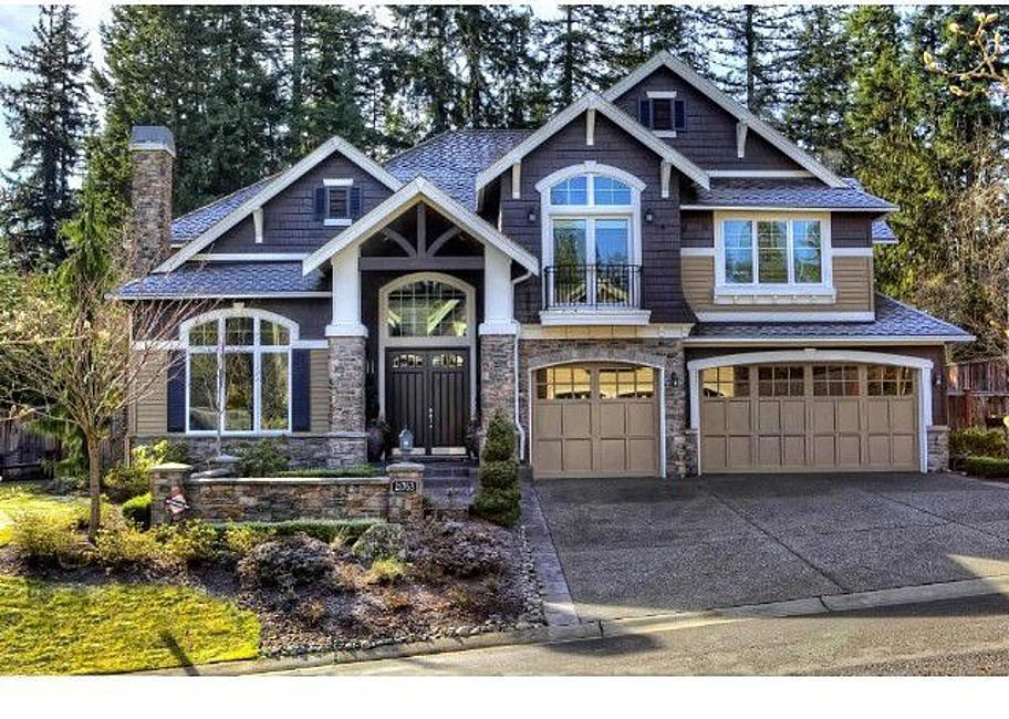 The 25 best craftsman home exterior ideas on pinterest for Craftsman style homes for sale near me