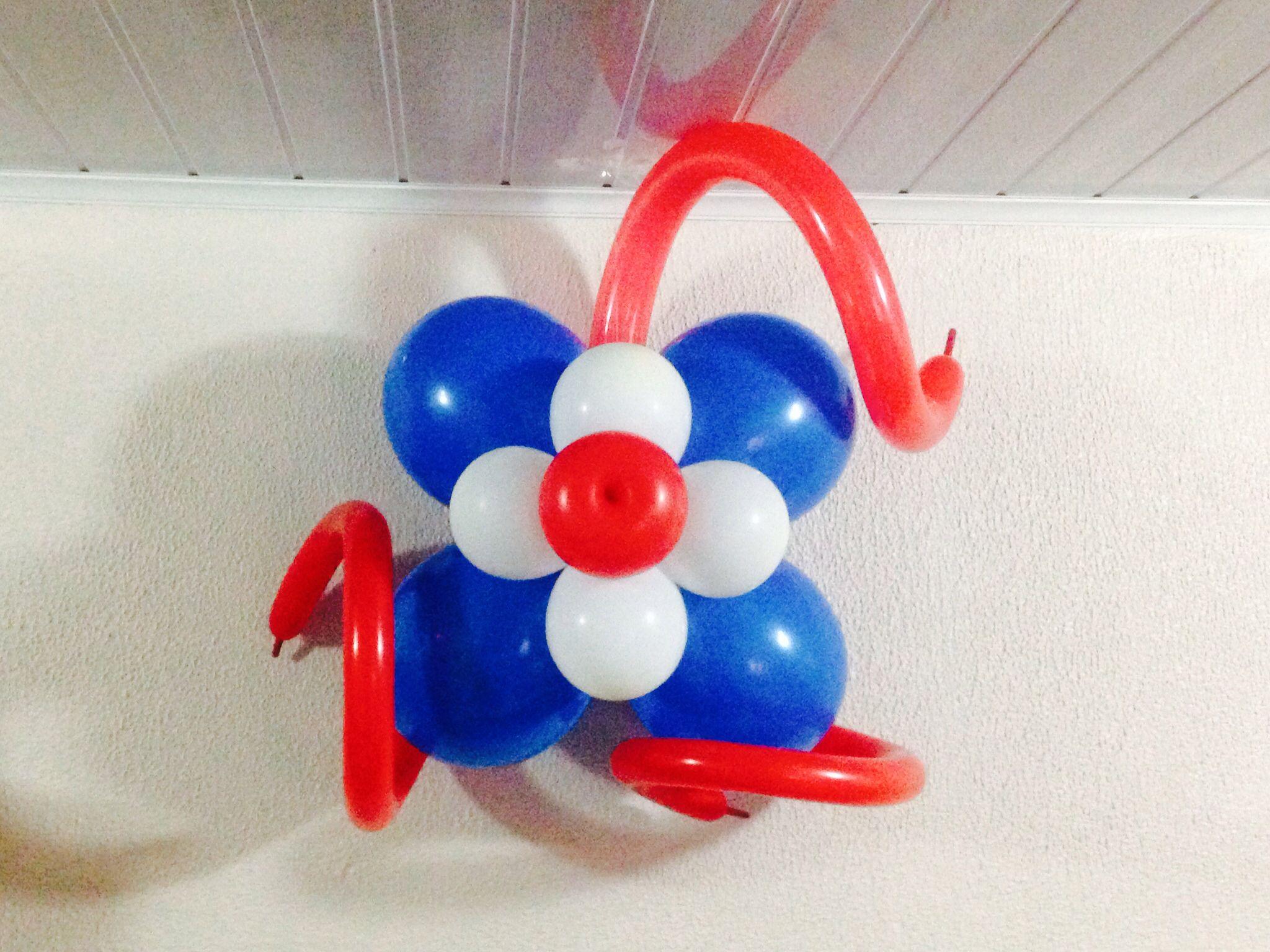 Flor Con Globos Con Colores Patrios Paredes O Columnas Country Crafts Balloons Crafts