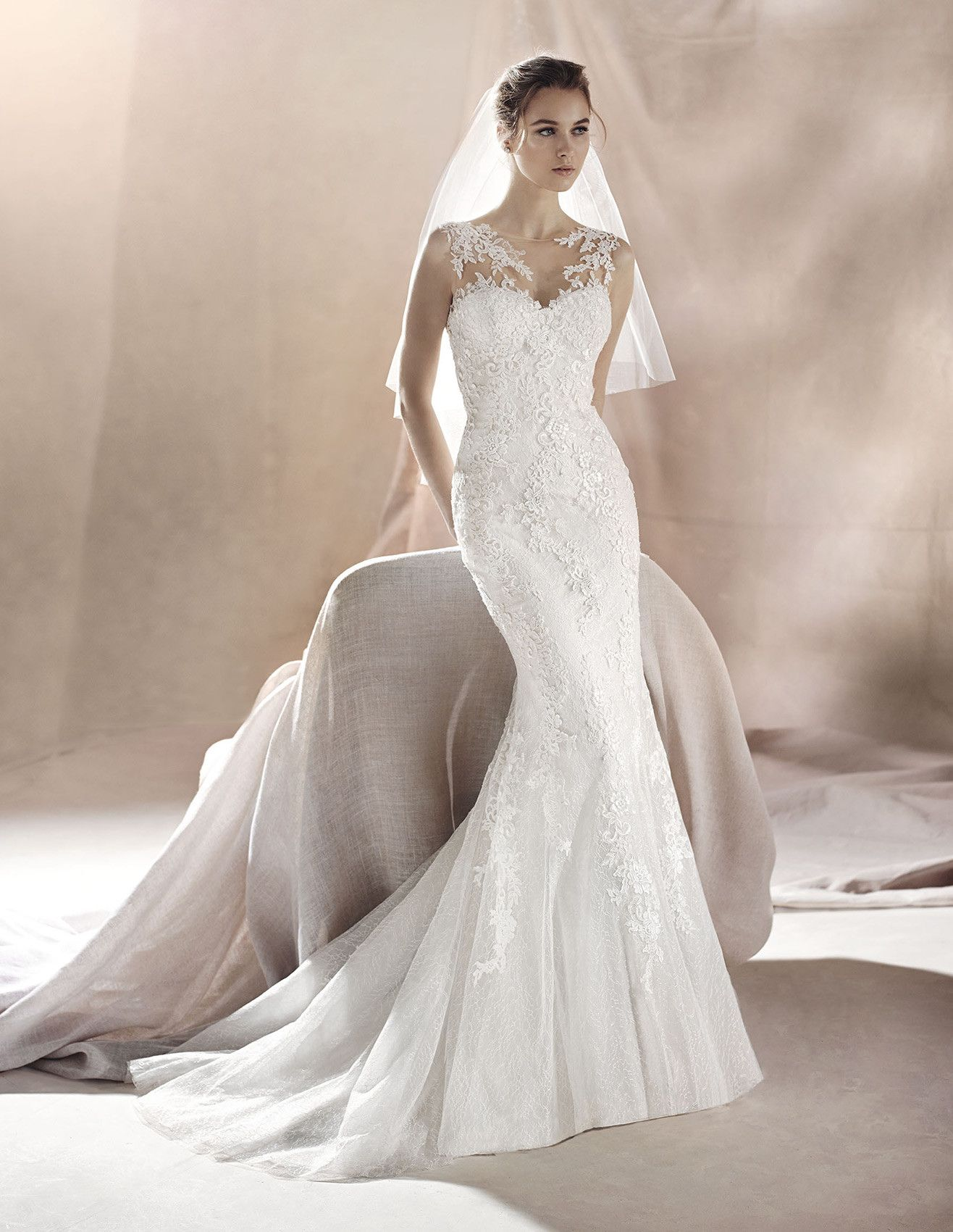 why is a wedding dresses outfit generally white colored wonderful