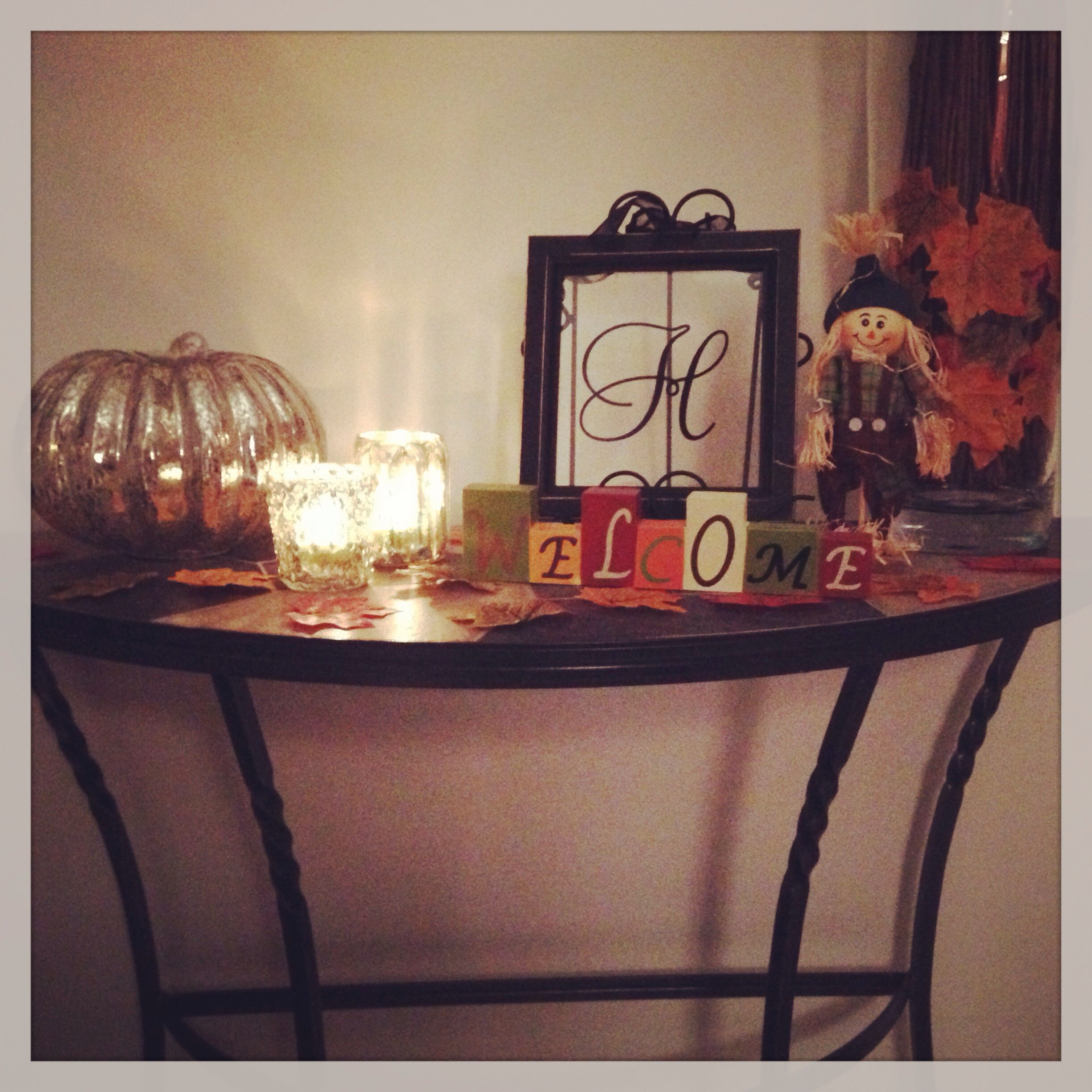 Foyer Table Big Lots : Front hall table decorated for autumn under