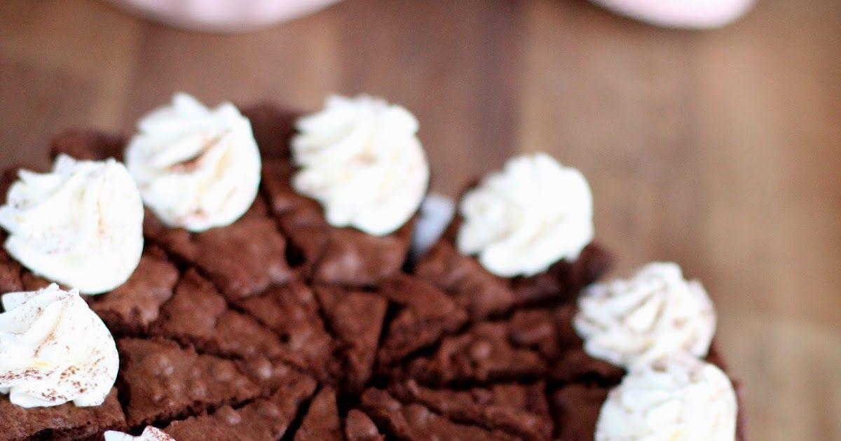 Jauhoton suklaakakku, joka on samalla myös gluteeniton. gluten free flourless chocolatecake recipe