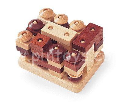 This very interesting 2 player peg game is called Columns. I Found it at Pintoys.com. (Dieses sehr interessante 2 Spieler Steckspiel nennt sich Columns.)
