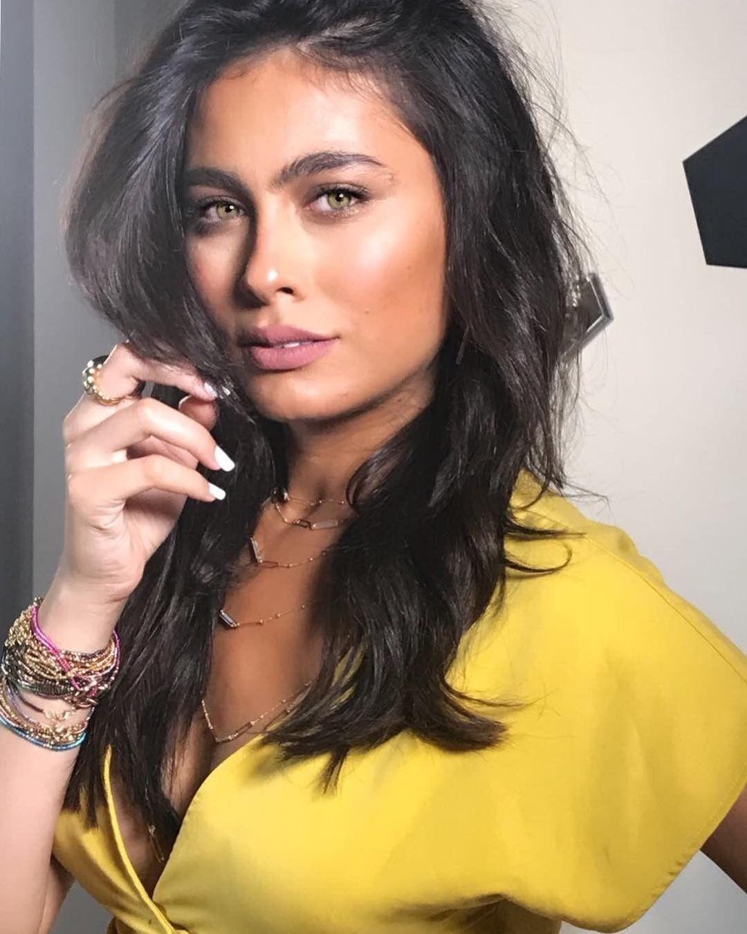 Great cheek bones Hagar Ahmed young Egyptian actress | Egyptian actress,  Arab celebrities, Arabian beauty
