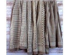 plaid canap ou tenture ethnique en coton block print taupe motif blanc plaid pour canap. Black Bedroom Furniture Sets. Home Design Ideas