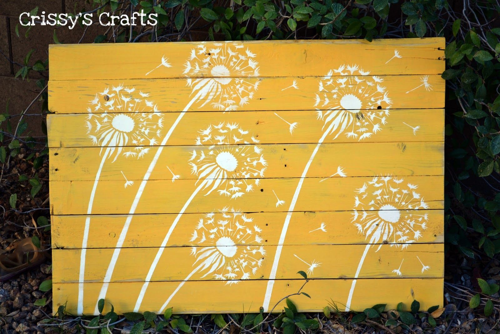 Pallet Projects | Hubby was a HUGE help in this project! He took the ...