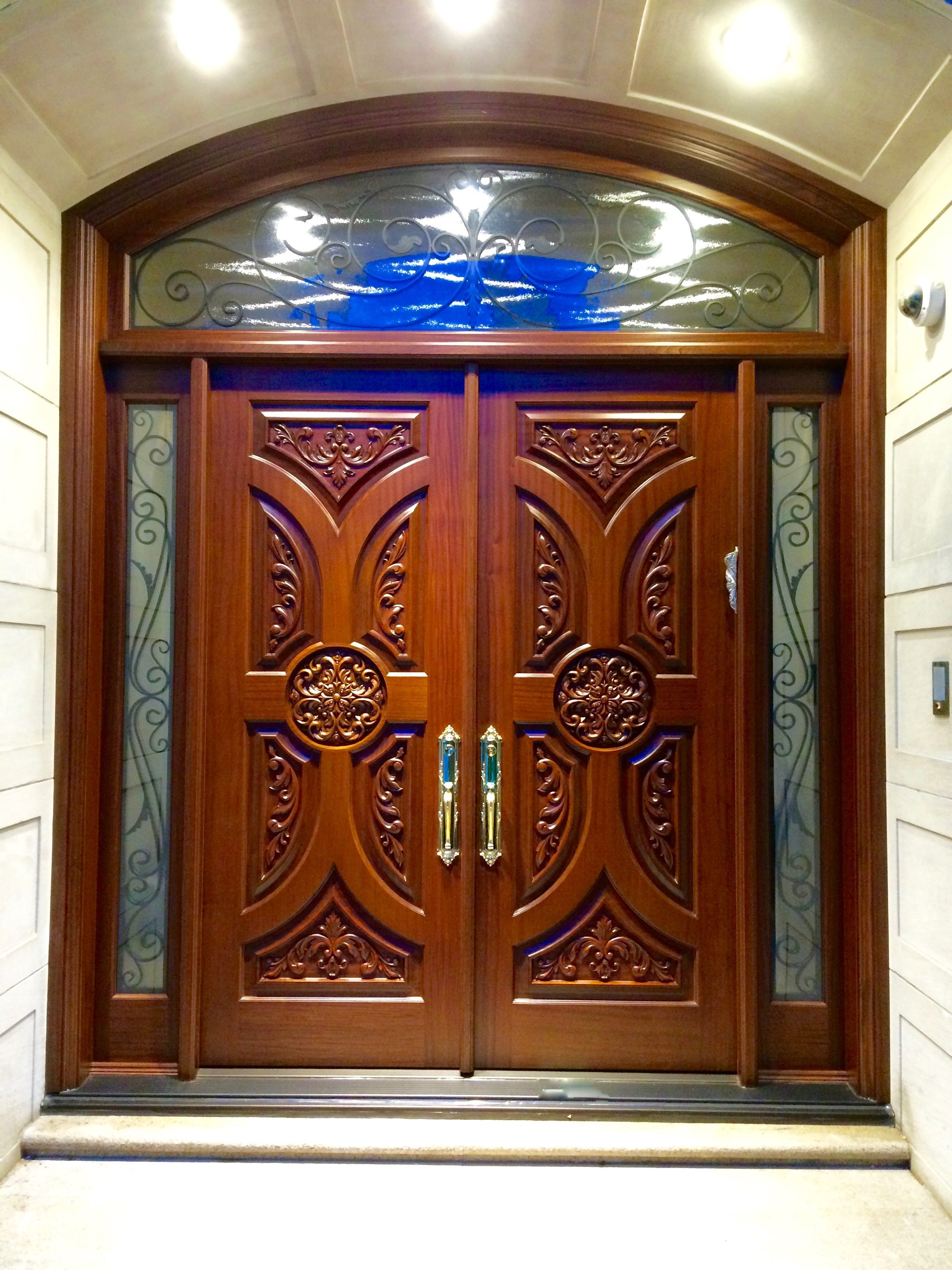 This spectacular #AmberwoodDoor with 2 sidelights and a ...